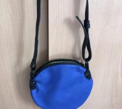 Kis méretű táska
