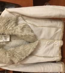 Szörmés meleg rövid téli kabát