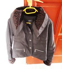 Átmeneti rövid kabátka