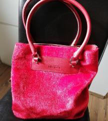 Piros szőrmés táska Amnesia