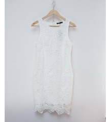 BOOHOO hófehér csipke ruha (38)