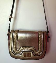 Pezsgő színű táska