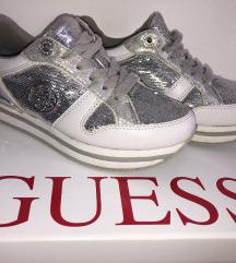 Guess cipő 36