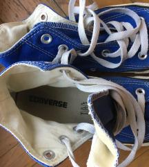 kék converse