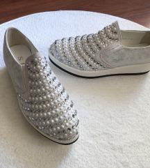 Csillogós köves cipő ÚJ