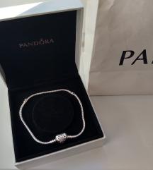 Pandora karkötő, replika