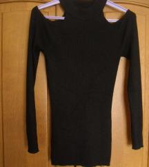 Fekete vállán nyitott pulcsi M-es
