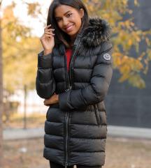 Magenta téli kabátot keresek!