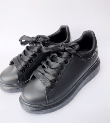 LEÁRAZTAM Fluffyslippers cipő