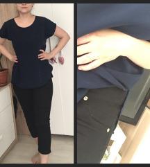 Csinos kék felső és fekete nadrág