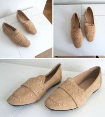 Reserved loafer