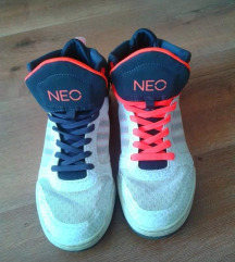 Alig használt Neo Adidas női cipő eladó