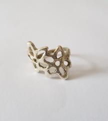 ÚJ, virágos bizsu gyűrű – 6,5-es méret