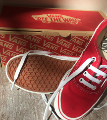 38-as Vans authentic cipő