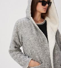 Új kifordítható,kapucnis kabát