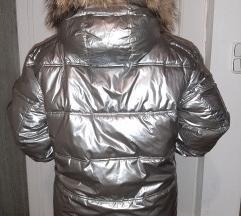 Új címkés szőrmés ezüst kabát