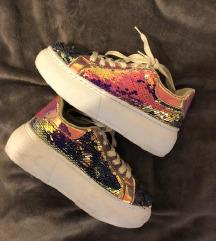 Flitteres platform cipő