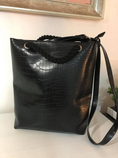 Fekete kézi táska 3