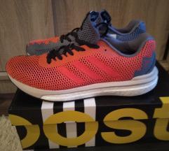 Adidas futócipő 40