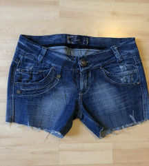 Bershka farmer short