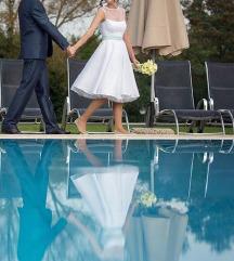 Esküvői menyasszonyi ruha