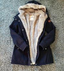 Hollister kabát