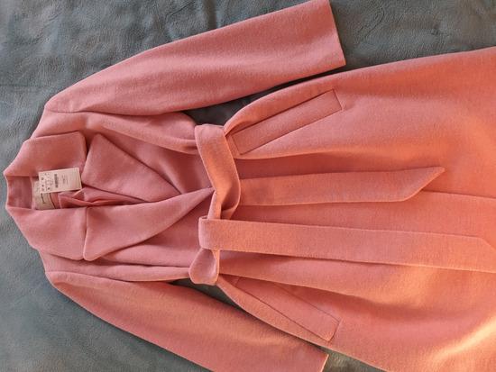 Új cimkés Stradivarius átmeneti kabát