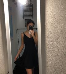 Fekete pántos ruha
