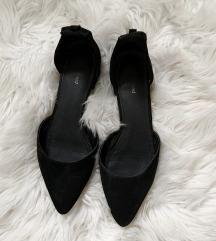 Hegyes orrú pántos balerina cipő