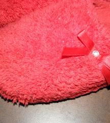 Otthoni piros papucs