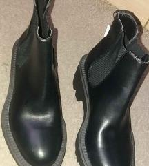 Új fekete cipő