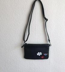 Kis táska