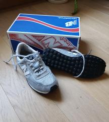 Újszerű New Balance cipő