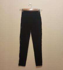 Fekete oldalt csipkés leggings