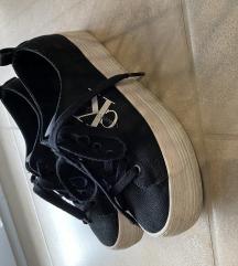 Calvin Klein 37-es platform cipő