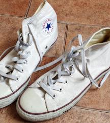 Szép állapotú fehér converse