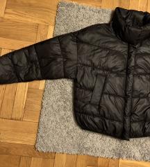 Stradivarius puffer kabát