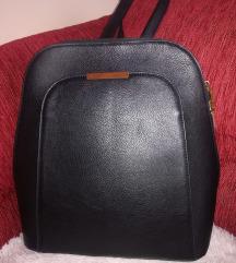 Fekete hátizsák 🎒