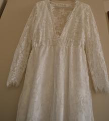Új, fehér csipkés, hosszú ujjú menyasszonyi ruha