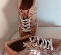 Guess  eredeti  cipő