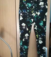 36-os virágmintás nadrág