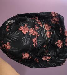 Gyönyörű, virágos hátizsák 💚🌱🌴🌿☘🍀🎋🍃🌴