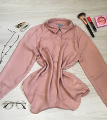 Púder rózsaszín blúz