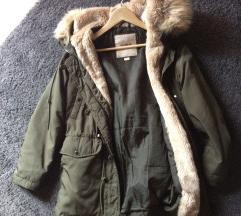 Pull&Bear téli kabát khaki/zöld
