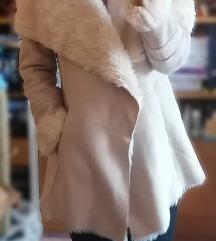 AKCIÓS bézs szőrmés irha kabát