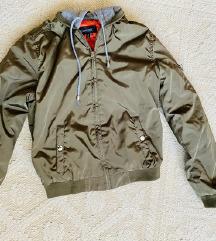 New Yorker átmeneti khaki színű dzseki