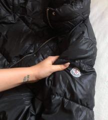 Moncler kabát