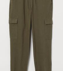 H&M khaki cargo nadrág