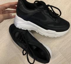 Fekete platform cipő