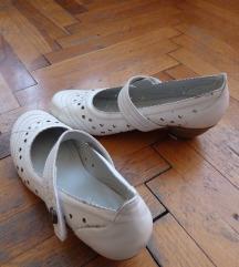 Női cipők 38-39-es méretben